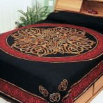 Celtic Circular knot in Cross 110 x 110 Red  KING SIZE